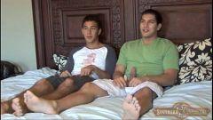 Jovens Primos transando na cama