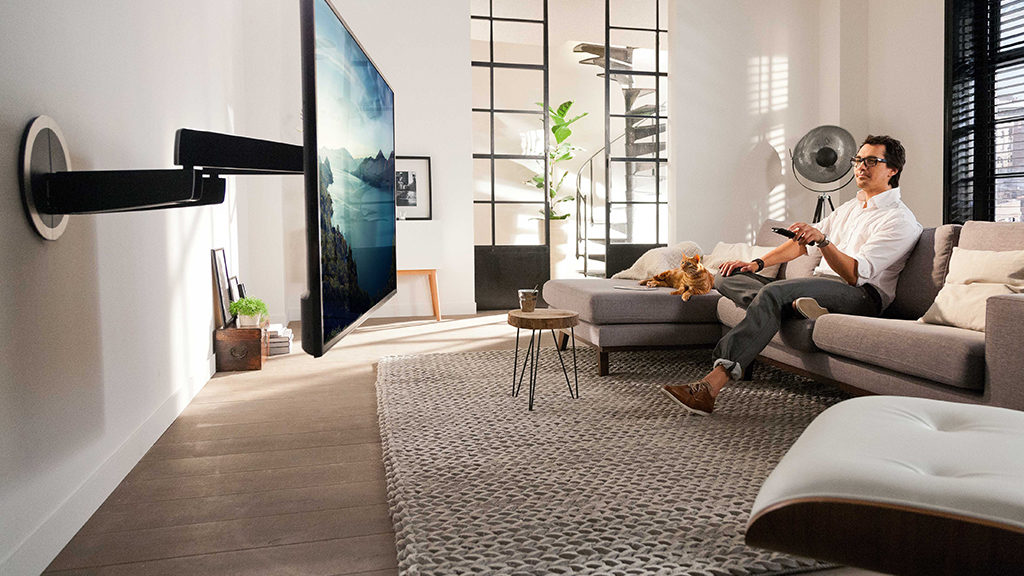 sonovision vogel propose un support tv mural pivote automatiquement