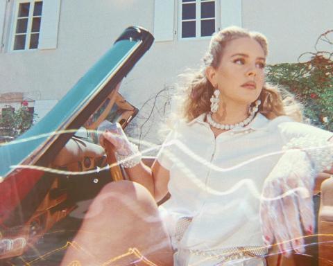 'Chemtrails Over the Country Club' của Lana Del Rey: Tiếng hát lữ hành