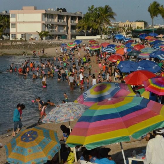 Jóvenes se registran como voluntarios para la vigilancia de playas en Semana Santa
