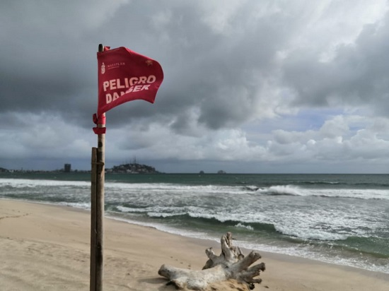 Marea de tormenta en Mazatlán
