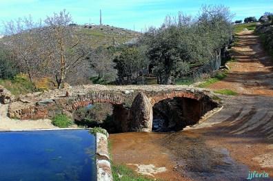 Pilar de Arriba y puente