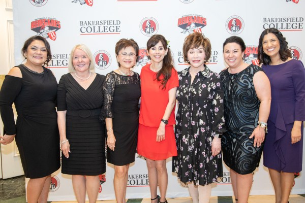 Norma Rojas Mora, Lynnette Zelezny, Karen Goh, Sonya Christian, Lynda Resnick, Heather Pennella, Noemi Donoso
