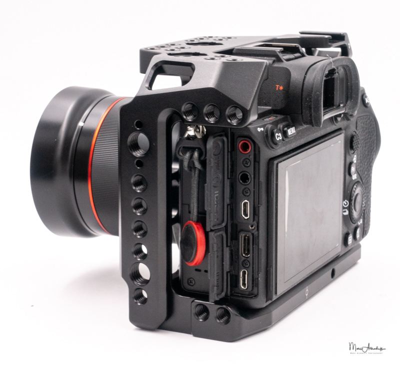 SmallRig Cage for Sony A7R IV CCS2416-21