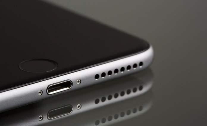 3 cách đẩy nước ra khỏi loa iPhone đơn gian mà hiệu quả