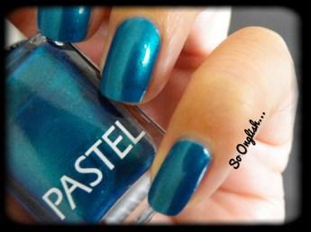 https://soonglishleblog.wordpress.com/2013/09/16/oriental-blue-swatch-nail-art/