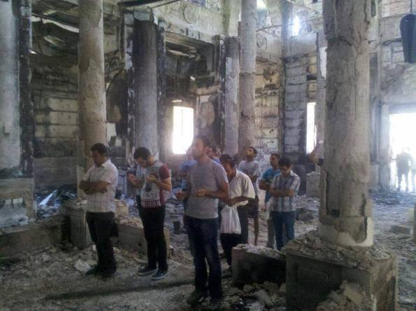 popetawadros-coptic-christians-egypt-burnt-church-01