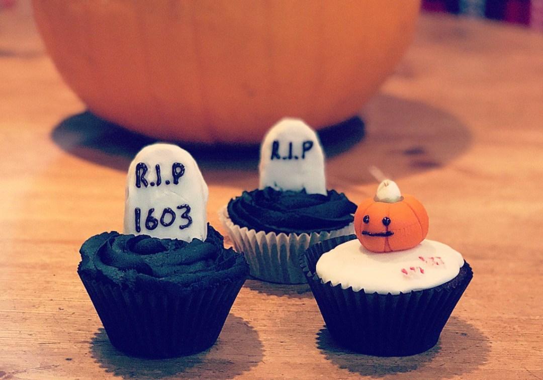 Halloween Baking RIP Pumpkin Cupcakes