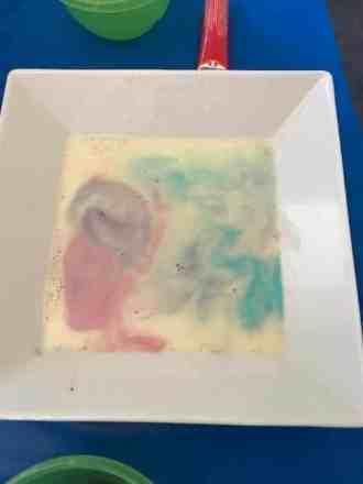 Science week Moving Liquid Art