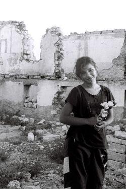 Azerbaijani refugee from Karabakh. Photo by Ilgar Jafarov. PD CCA-SA via Wikimedia.