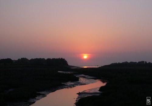 Sunset over the Quillimadec river  Coucher de soleil audessus de la rivire Quillimadec