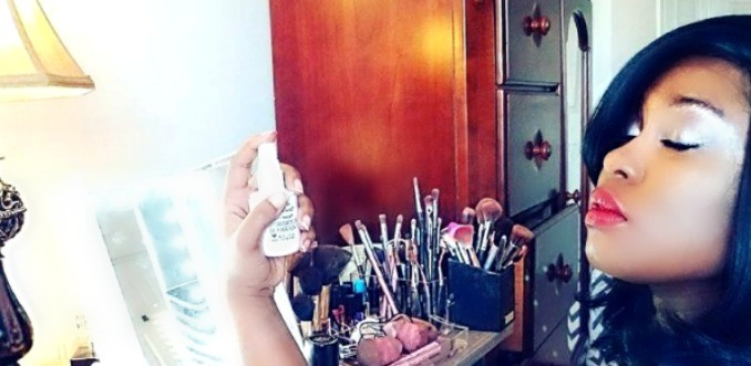A Very Easy Budget Friendly Diy Makeup Vanity Table With Lighted Mirror Sophie Sticatedmom