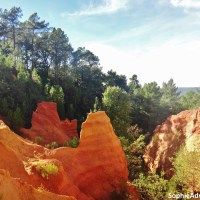 Visit the French Grand Canyon Roussillon and other villages around Avignon
