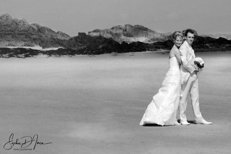 Ils se sont mariés le jour de l'été à Saint-Malo - Photographie Mariage - Sophie d'Inca - Plage - Mer - Morbihan sud - Côtes d'Armor - Finistère - Ille et Vilaine - vendée