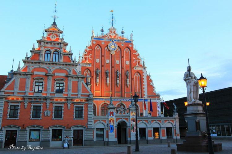 【波羅的海】拉脫維亞。里加(Riga, Latvia):里加旅遊須知及重點整理!(附圖:市政廳迷人的白天與黑夜~)