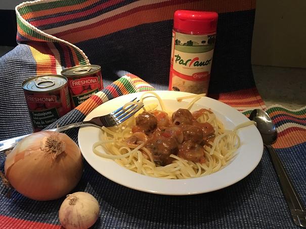 Spaghetti met romige tomatengroente saus