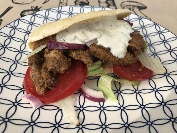 Gyros kip, heerlijk op een pitabroodje met tzatziki