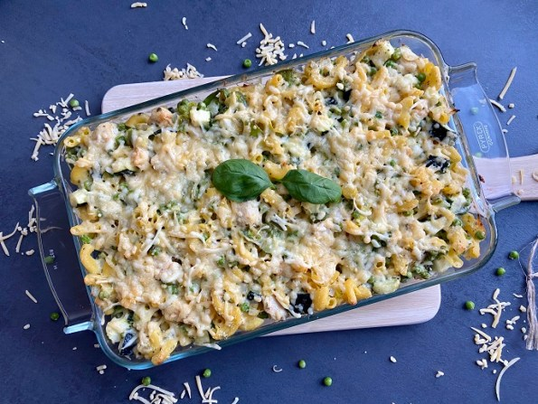 Mac 'n cheese met kip, courgette en doperwten