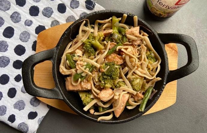 teriyaki noedels met broccoli