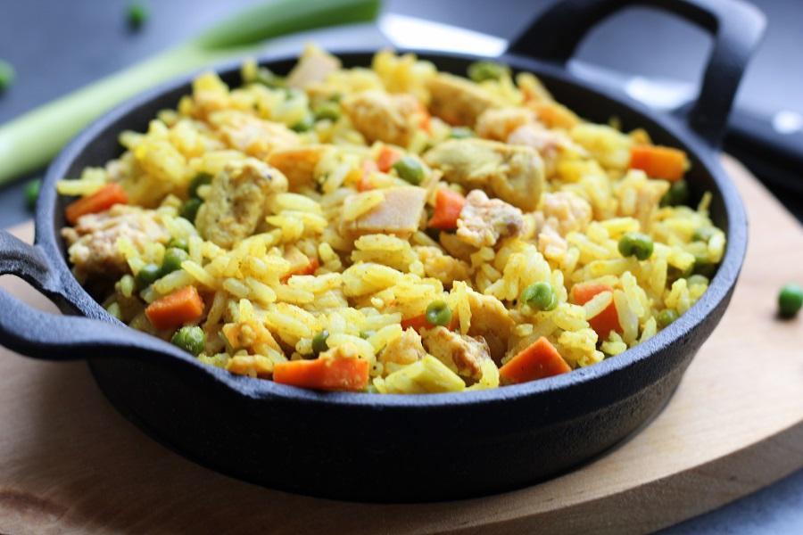 kerrie nasi met kip en ei