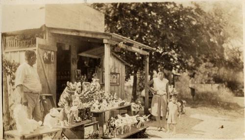 Photo: Plaster art shop in Hunter, Texas, c.1930. Courtesy of Paul O. Sanchez