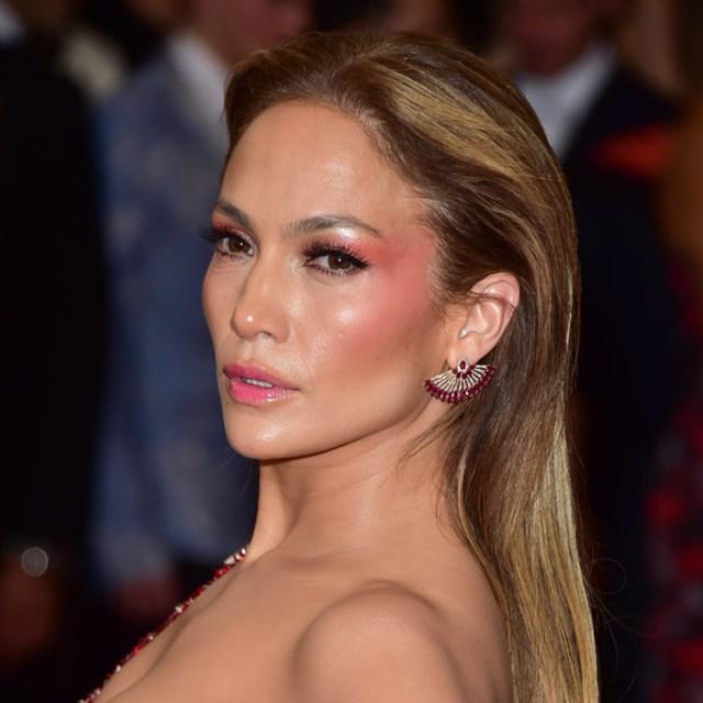 Jennifer-Lopez-Makeup-2015-Met-Gala