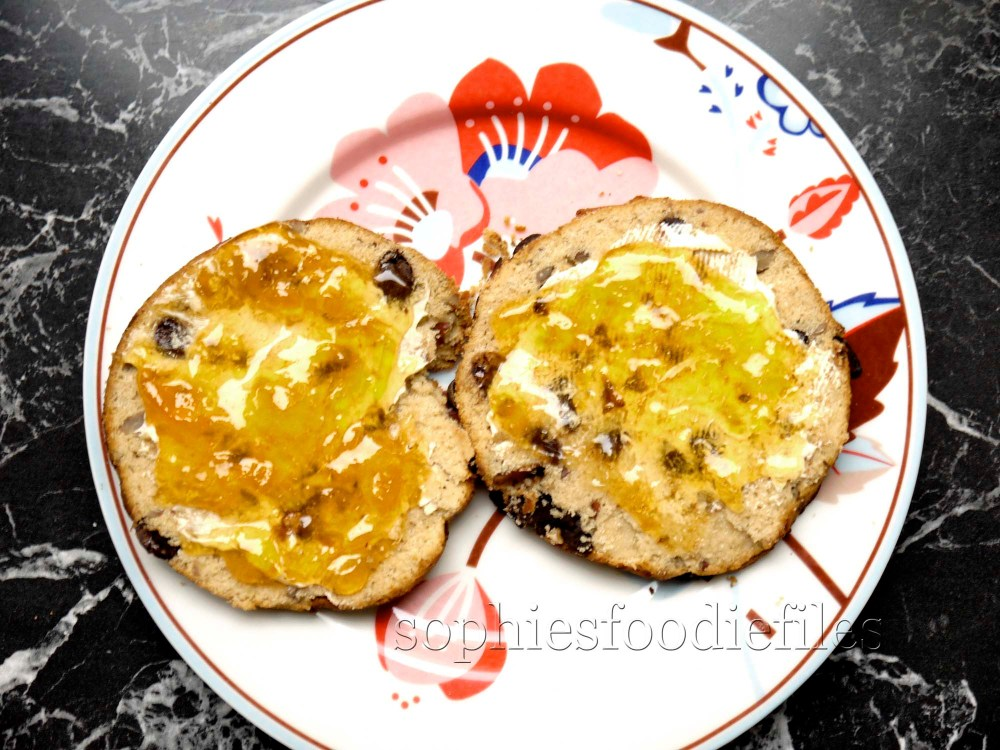 Sophie's healthy & tasty gluten free & egg free scones with chocolate & pecans (4/6)