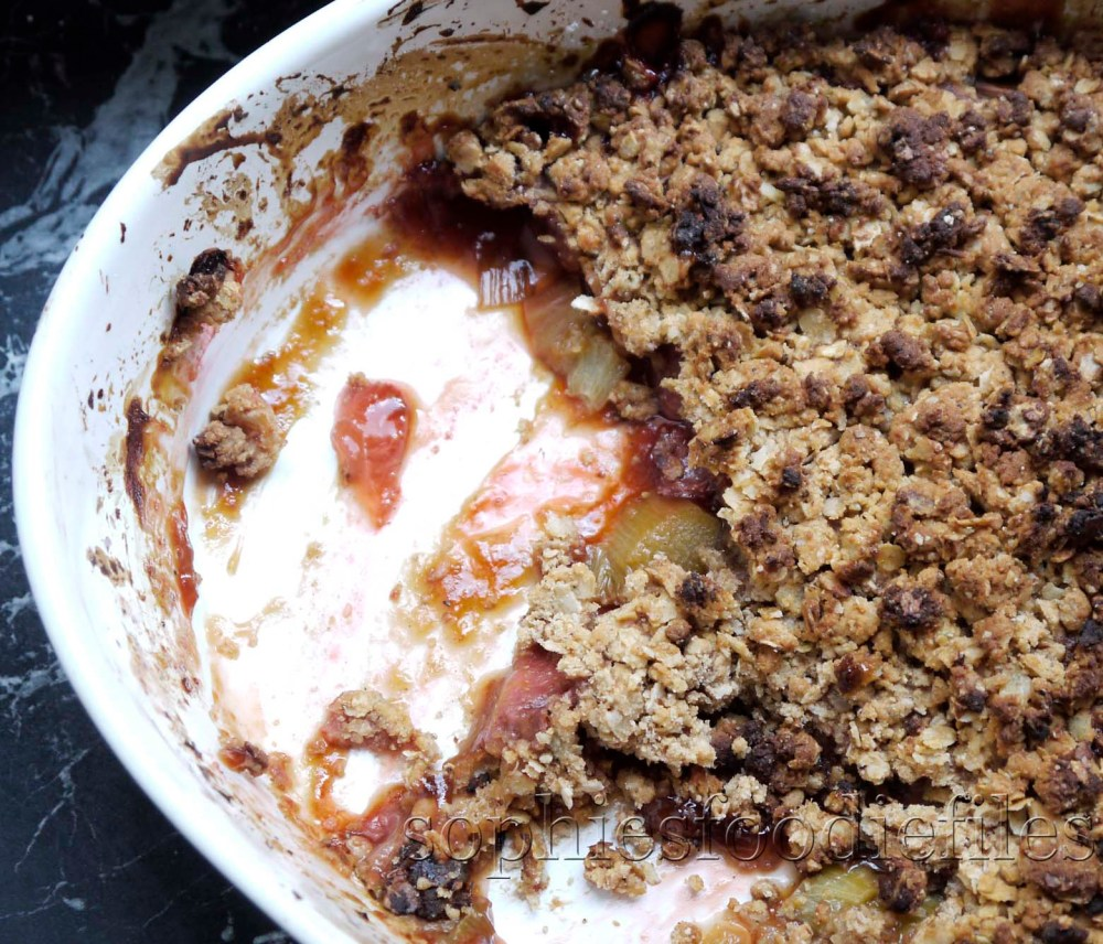 Sophie's healthy gluten free and dairy free strawberry and rhubarb crumble! (1/3)