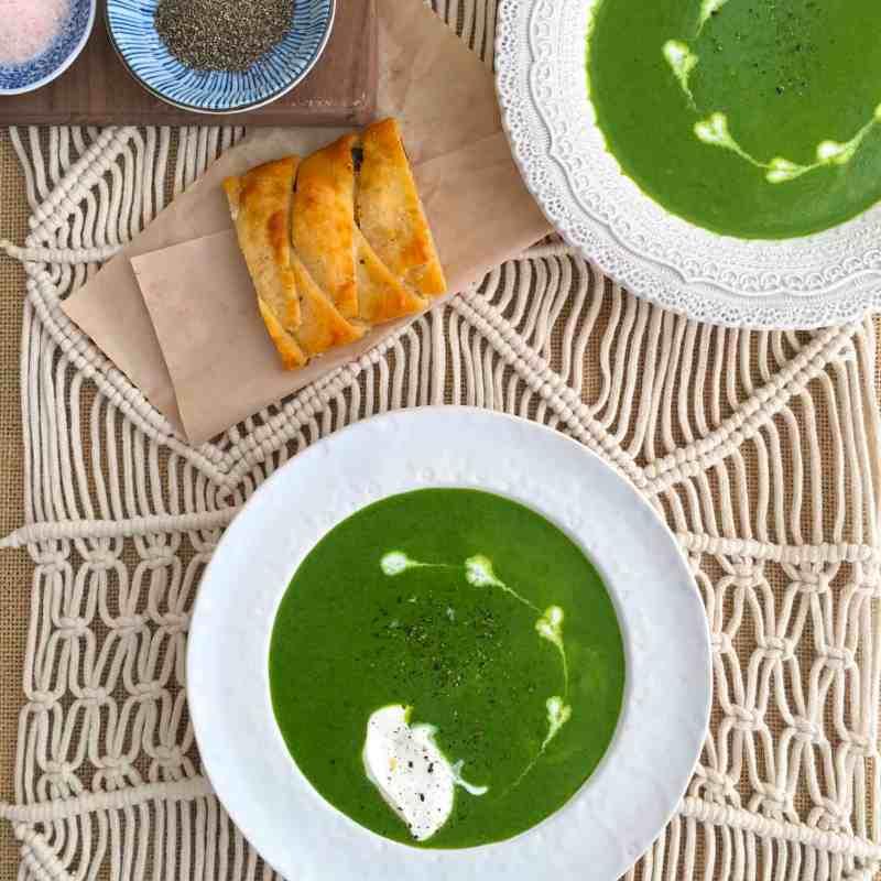 [生酮濃湯] 酸奶油菠菜濃湯 Sour Cream Spinach Soup & 生酮麵包