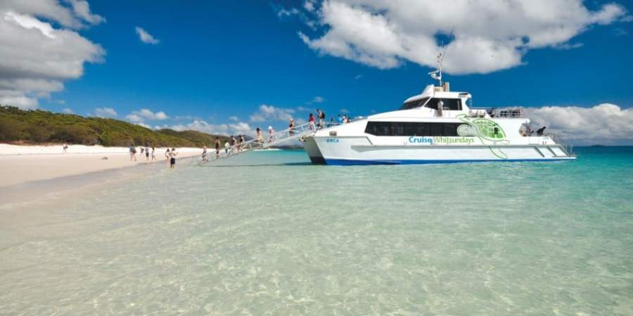 REVIEW: Sail The Whitsundays + snorkel the Great Barrier