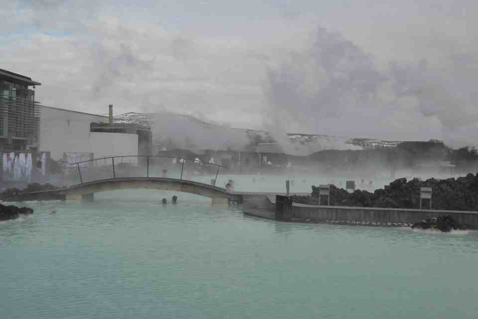 How much does it cost to visit Iceland