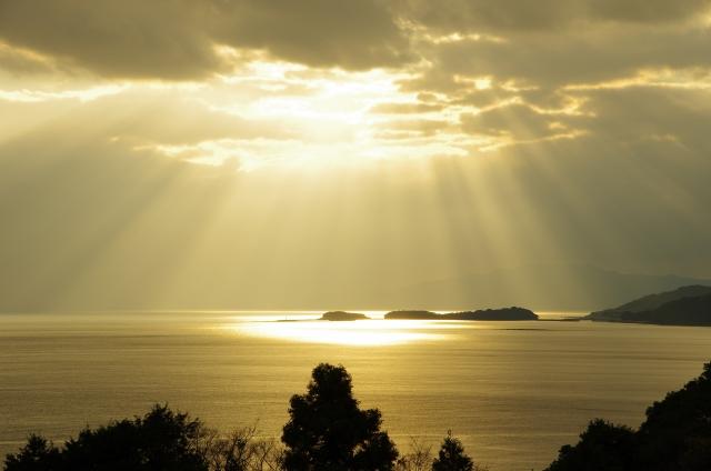 薄明光線について~希望を感じる天使のはしご
