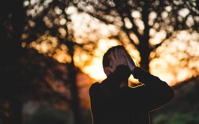 O perigo de estar em constante aceleração mental e estado de alerta