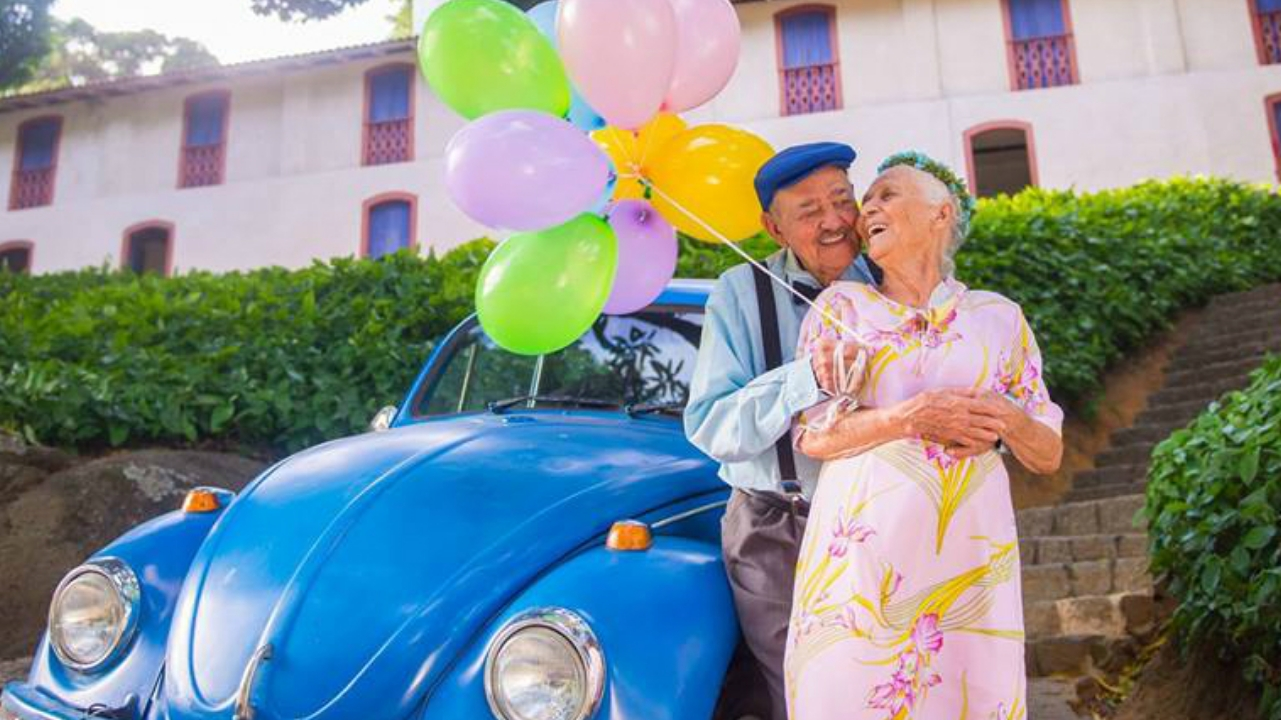 Casal Faz Ensaio Fotógrafico Maravilhoso Para Celebrar 69
