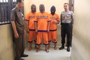 PNS Judi Dadu Nunggu Proses Hukum Polisi