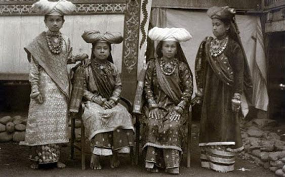 Sejarah Dan Asal Usul Suku Minang Sumatera Barat