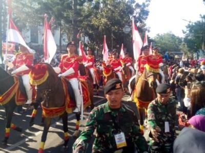 Pasukan Berkuda Kavaleri di Karnaval Kemerdekaan Pesona Parahyangan