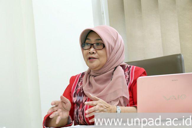 Dr. Sri Adi Sumiwi, M.S., Apt., peneliti ekstrak putri malu untuk atasi asam urat