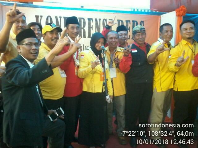Bakal pasangan calon Walikota dan Walikota Banjar, Hj Ade Uu Sukaesih dan Nana Suryana, saat mendaftar ke KPU Kota Banjar, Rabu (10/1/2018).