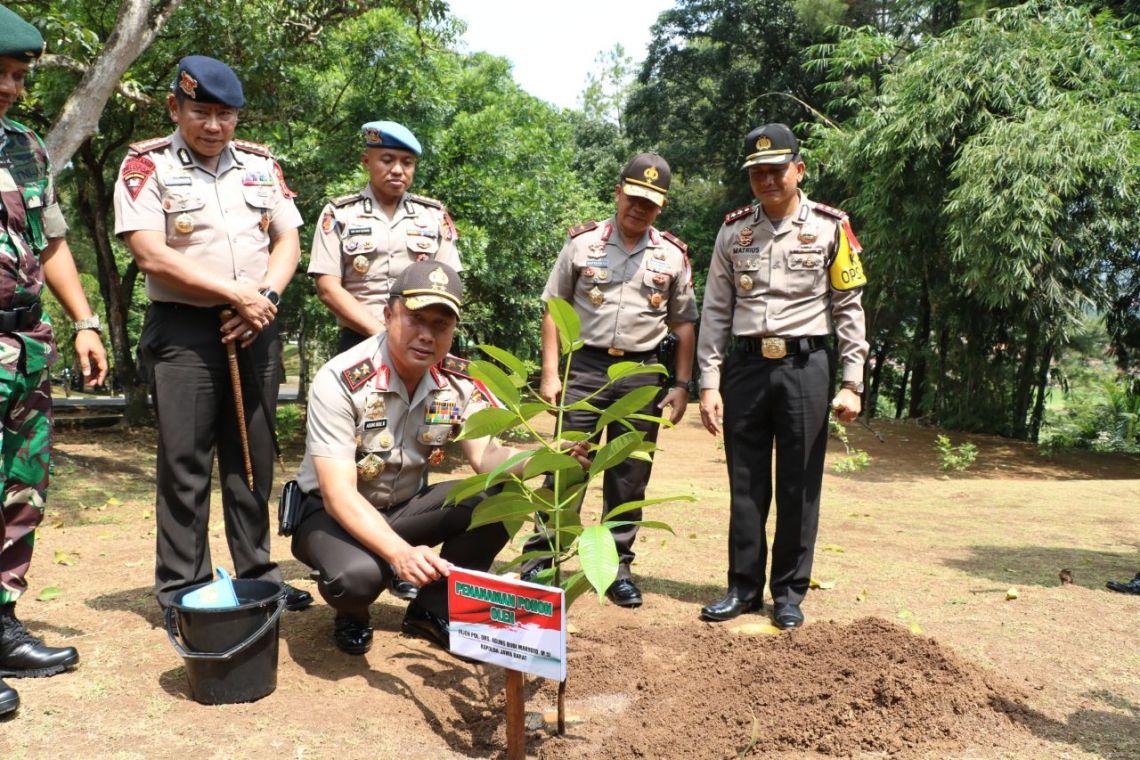 Kunjungan silaturahmi Kapolda Jabar Irjen Pol Agung Budi Maryoto ke Mako Batalyon 323 Raider Buaya Putih