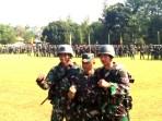 Kasad TNI Jenderal TNI Mulyono berfoto bersama peserta Ton Tangkas 2018 yang berhasil memecahkan rekor.