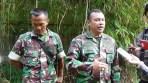 Dansektor 21 Satgas Citarum Kolonel Inf Yusep Sudrajat didampingi Dansubsektor 21-7 saat wawancaranya dengan wartawan pada giat penutupan pembuangan limbah milik PT Pranata Jaya Abadi dan PT Safindo Permata di Pameungpeuk, Kabupaten Bandung, Sabtu (2/6/2018).