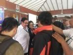 Dr. Drs. Budiyanto, SH, MHum saat diwawancarai sejumlah awak media di Pendopo Kabupaten Karanganyar