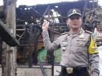 Kapolres Banjar AKBP Matrius memberikan keterangannya kepada wartawan saat meninjau dua buah rumah yang terbakar di Desa Sukarame Kota Banjar