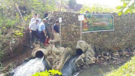Dansektor 4 Satgas Citarum Ajak Empat Pemilik Pabrik Susuri Anak Sungai Citarum Sepanjang 2 Kilometer