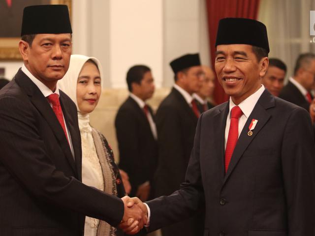 Jokowi lantik Doni Monardo