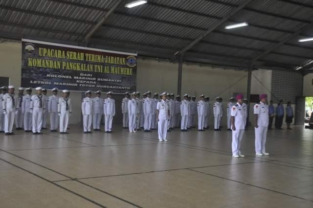 Peserta upacara sertijab Danlanal Maumere