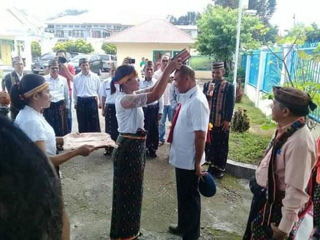 acara penerimaan Gubernur NTT di Borong