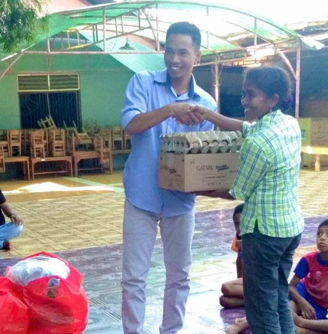bantuan mahasiswa Rahong Utara untuk panti asuhan