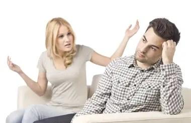 enfadados pareja